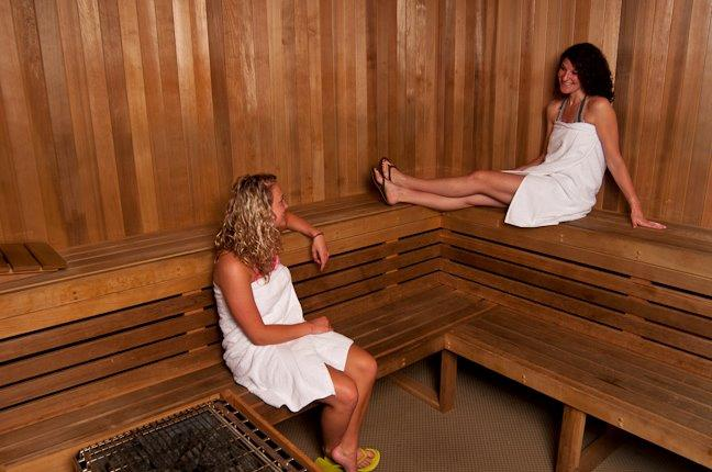 la fitness sauna, la fitness gym, learn more about la fitness, la fitness amenities, what options does la fitness have